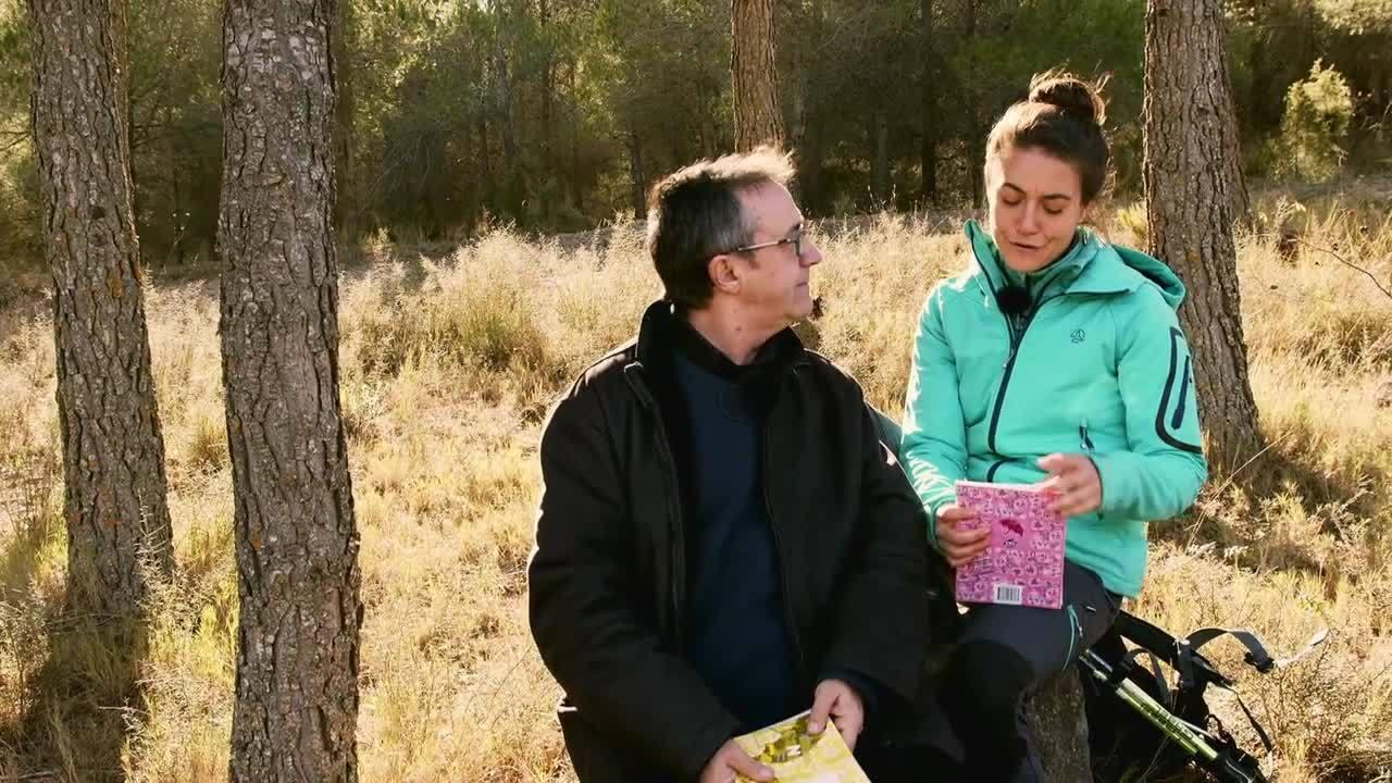 29.10.2019   Rutes amb la científica Pilar Mateo i el contacontes Vicent Cortés