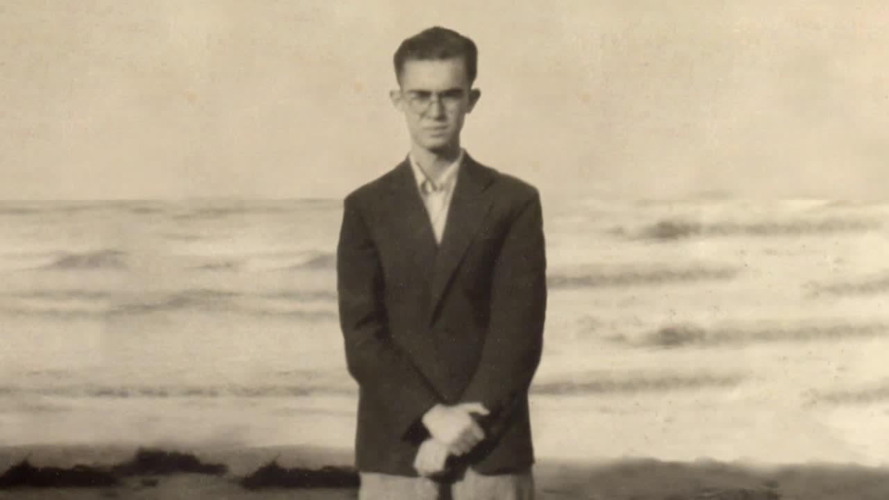 Vicent Andrés Estellés (Burjassot, 1924 - València, 1993)