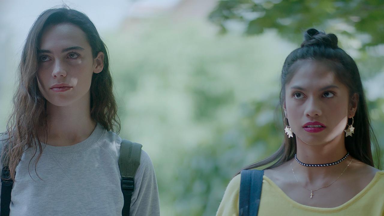 Temporada 1 T1 - C1: Lara e Irene