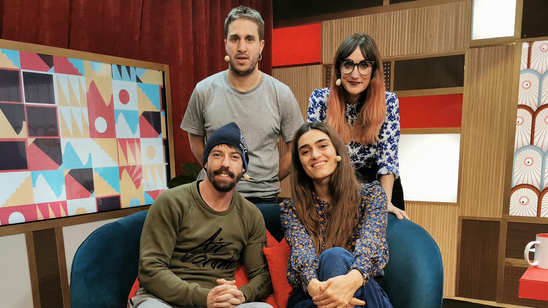 2019 (03-12-19) Olivia Molina, Adrián Lastra y Monismurf
