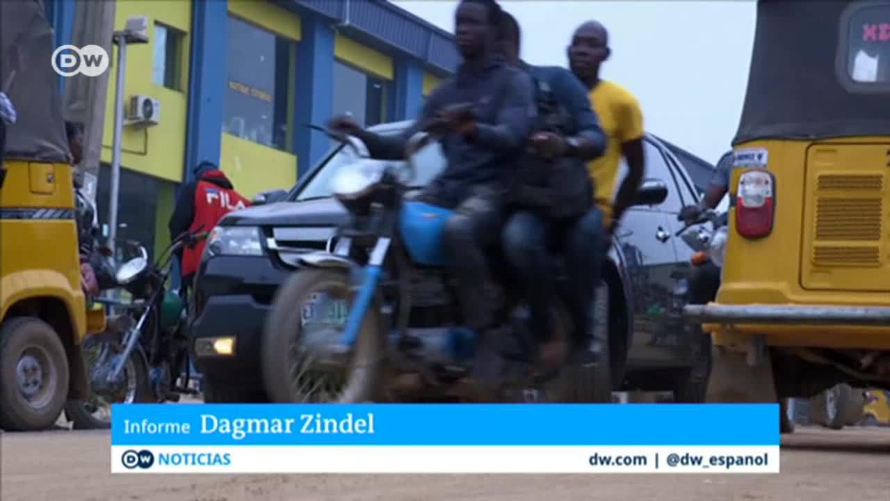 Lagos prohibe a los mototaxis