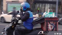 China: los repartidores de comida al límite