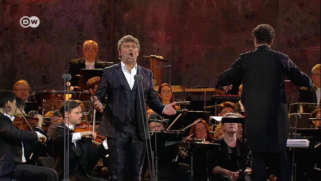 El duro negocio de la ópera