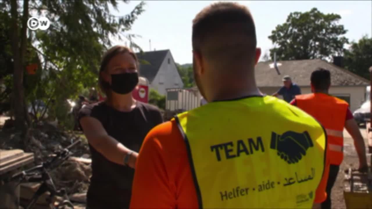 Alemania: Refugiados sirios ayudan