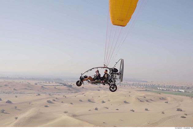 La experiencia de vivir Dubai al límite con un paramotor
