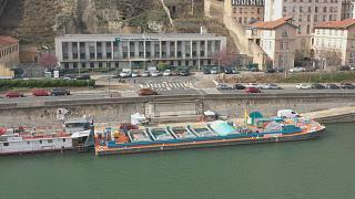 Lyon posee el primer centro fluvial y efímero de recogida de residuos