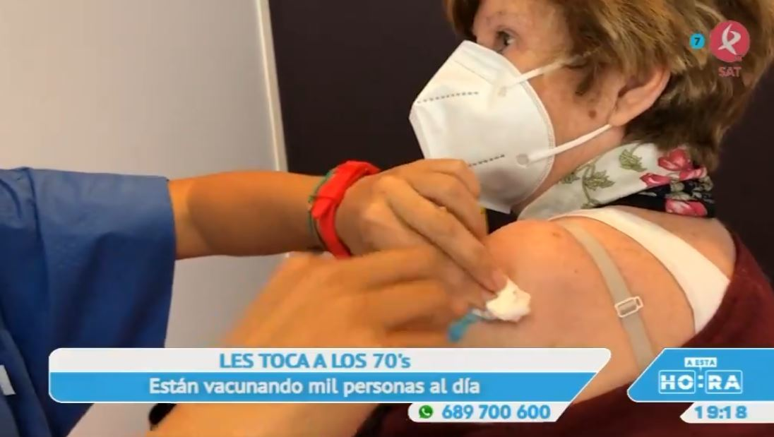 Alivio y esperanza en forma de pinchazo: en Extremadura ya se está vacunando de forma masiva