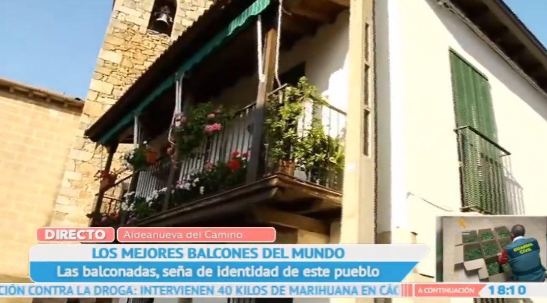 Tesoros colgantes: los balcones de Aldeanueva del Camino