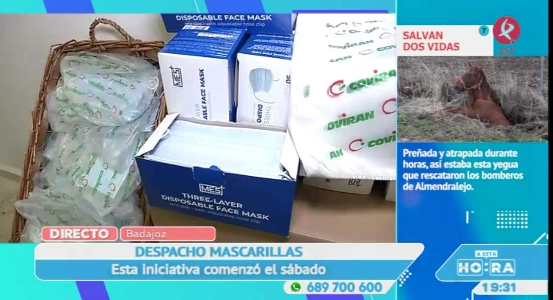 Un supermercado de Badajoz reparte mascarillas gratis entre sus clientes