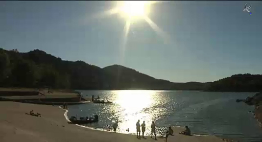 Embalse García Sola en lancha, piscina natural de Castañar de Ibor y playa dulce de Medellín