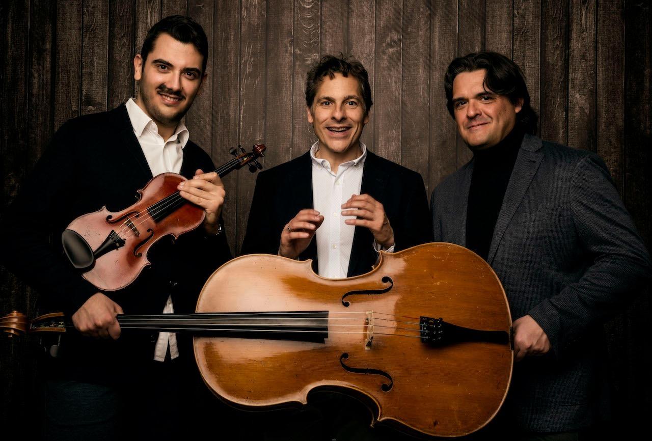 El Trío Arbós ofrece un concierto esta tarde en Badajoz. Charlamos con ellos.