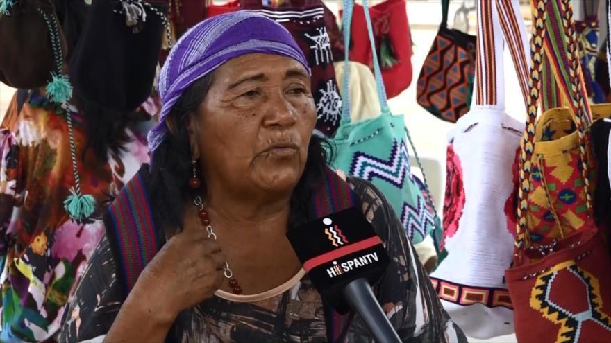 Mujeres indígenas tejedoras en Colombia