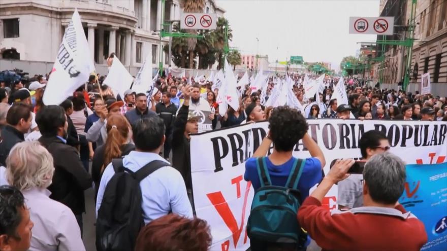 Universitarios en México al filo de la navaja