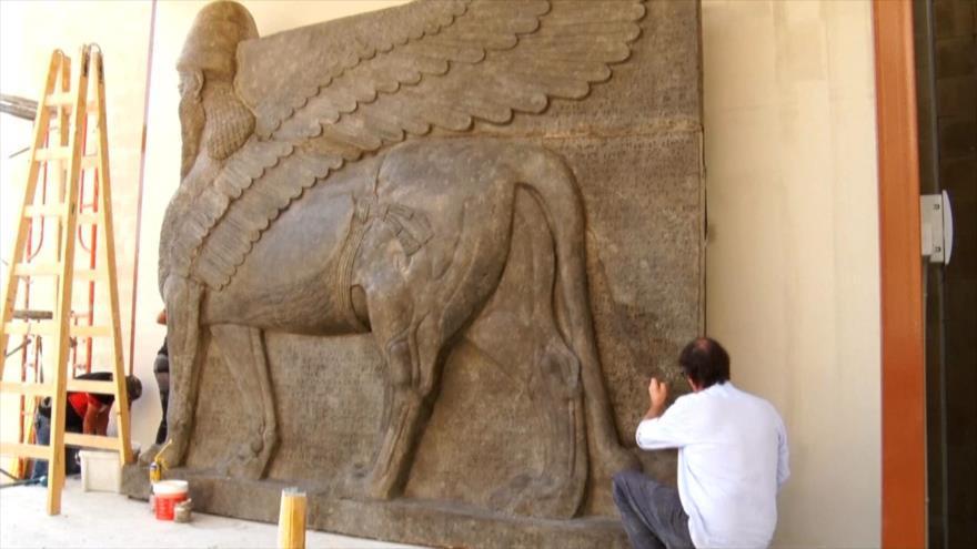 """1- """"Lamassu"""", toros alados asirios 2- Robot enseña a escribir 3- Festival de uva en Irán 4- Campanero blanco 5- Sangre artificial 6- Volcán Pitón de la Fournaise"""