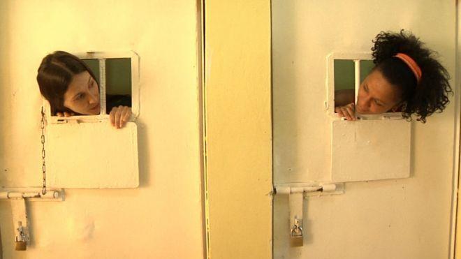 Temporada 5 Programa 34 - Adela Úcar ingresa en un centro penitenciario