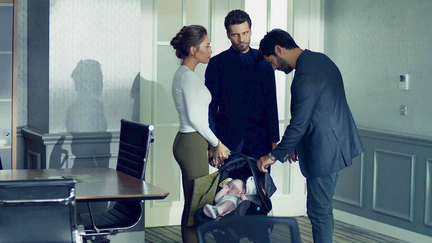 Temporada 2 Capítulo 116 - Kemal sospecha que Deniz es su hija