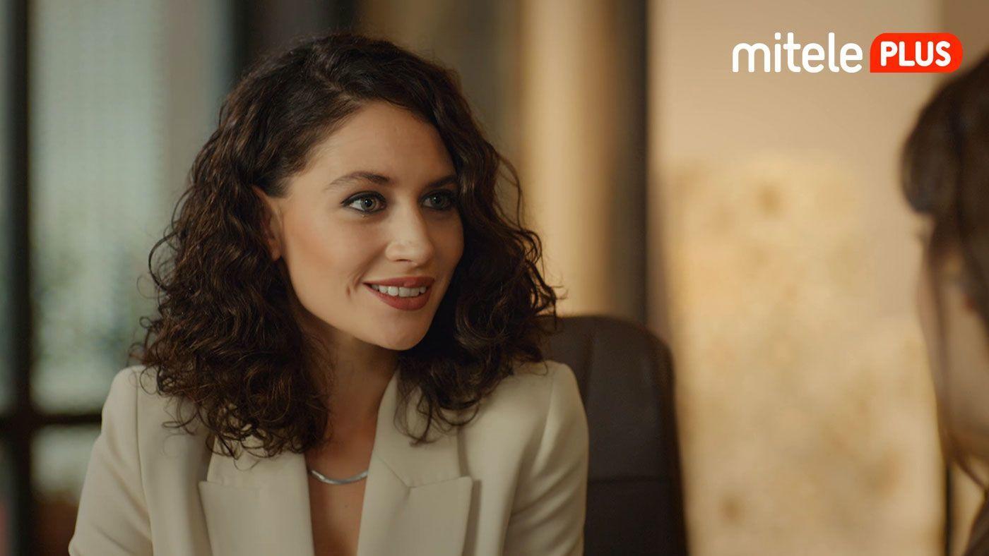 Temporada 1 Episodio 68 - La nueva directora de relaciones públicas