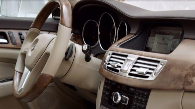 Temporada 2012 Programa 185 - Infinity M35 Híbrido, Audi R8 e-tron
