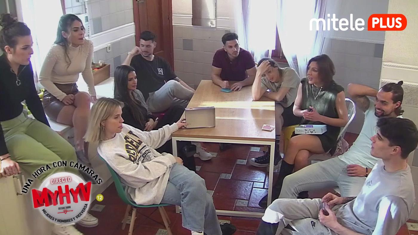 Una hora con cámaras Preguntas picantonas en el juego de la verdad - 05/02/2021