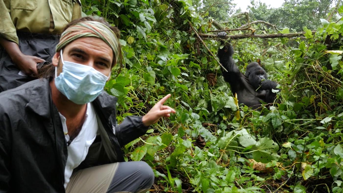 Temporada 1 Programa 5 - Gorilas de montaña y nuevas complicaciones en la construcción de la escuela