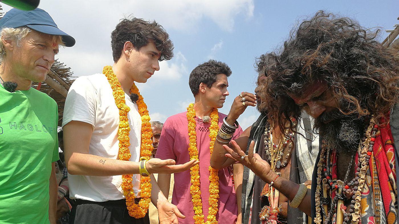 Temporada 6 Programa 41 - Los Javis acompañan a Calleja por la India