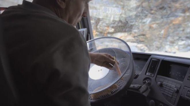2013 Programa 30 - Un hamster conduciendo un camión
