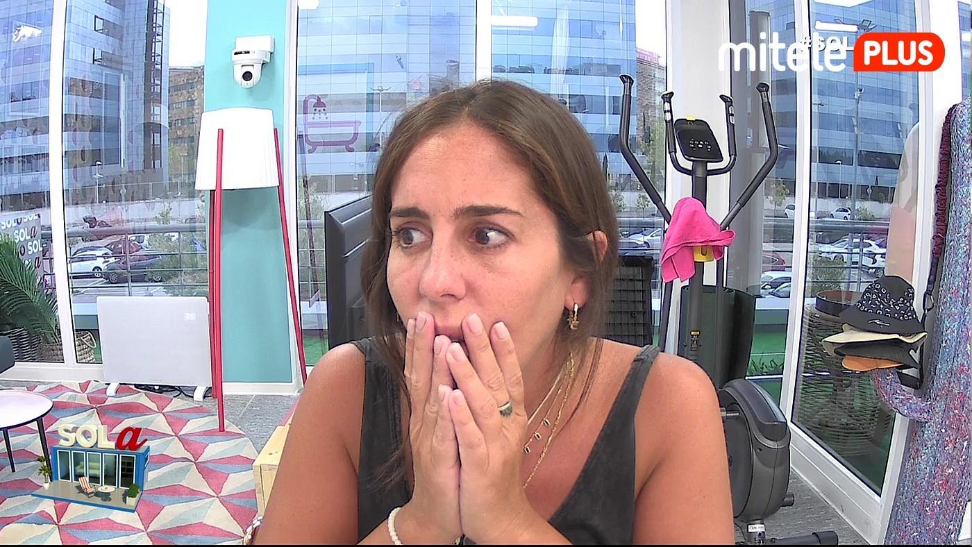 Anabel Pantoja Anabel, buscando al Rey emérito por los Emiratos Árabes - Sálvame le pone un reto para que practique su inglés