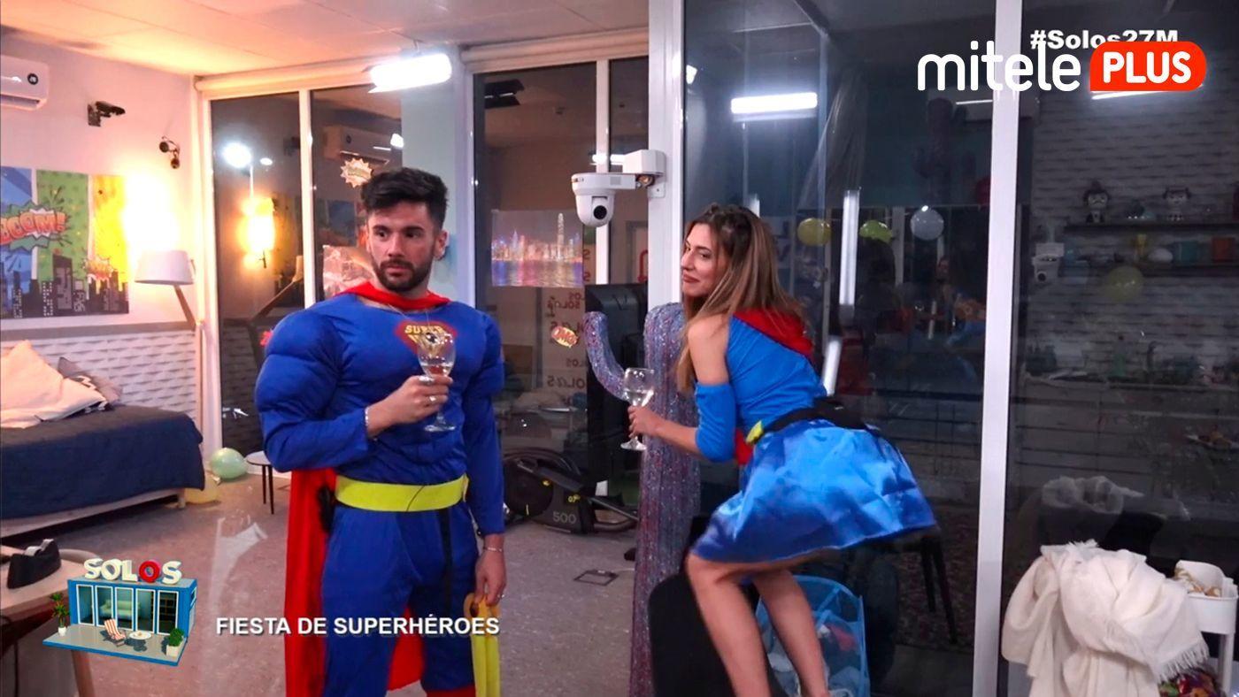 Bea y Dani Fiesta de superhéroes - Con retos incluidos