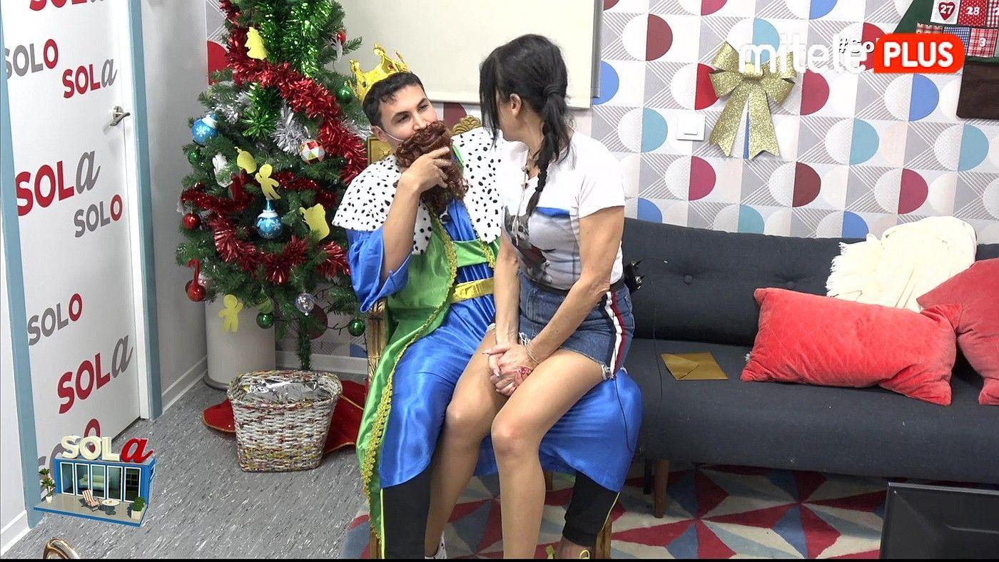 Maite Galdeano Ya vienen los Reyes - Kiko, Christian y Sofía sorprenden a Maite
