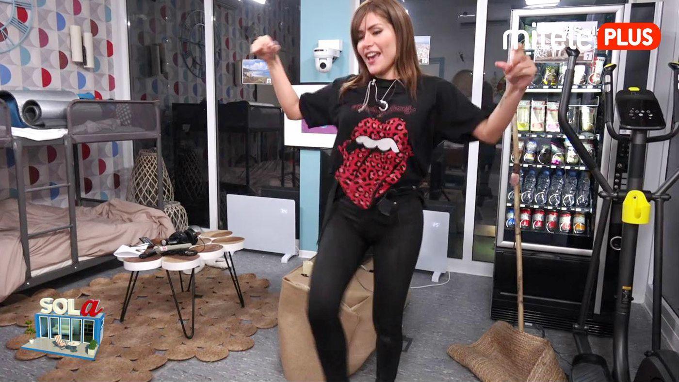 Miriam Saavedra Clase de muñeira - Con @breogan_perez