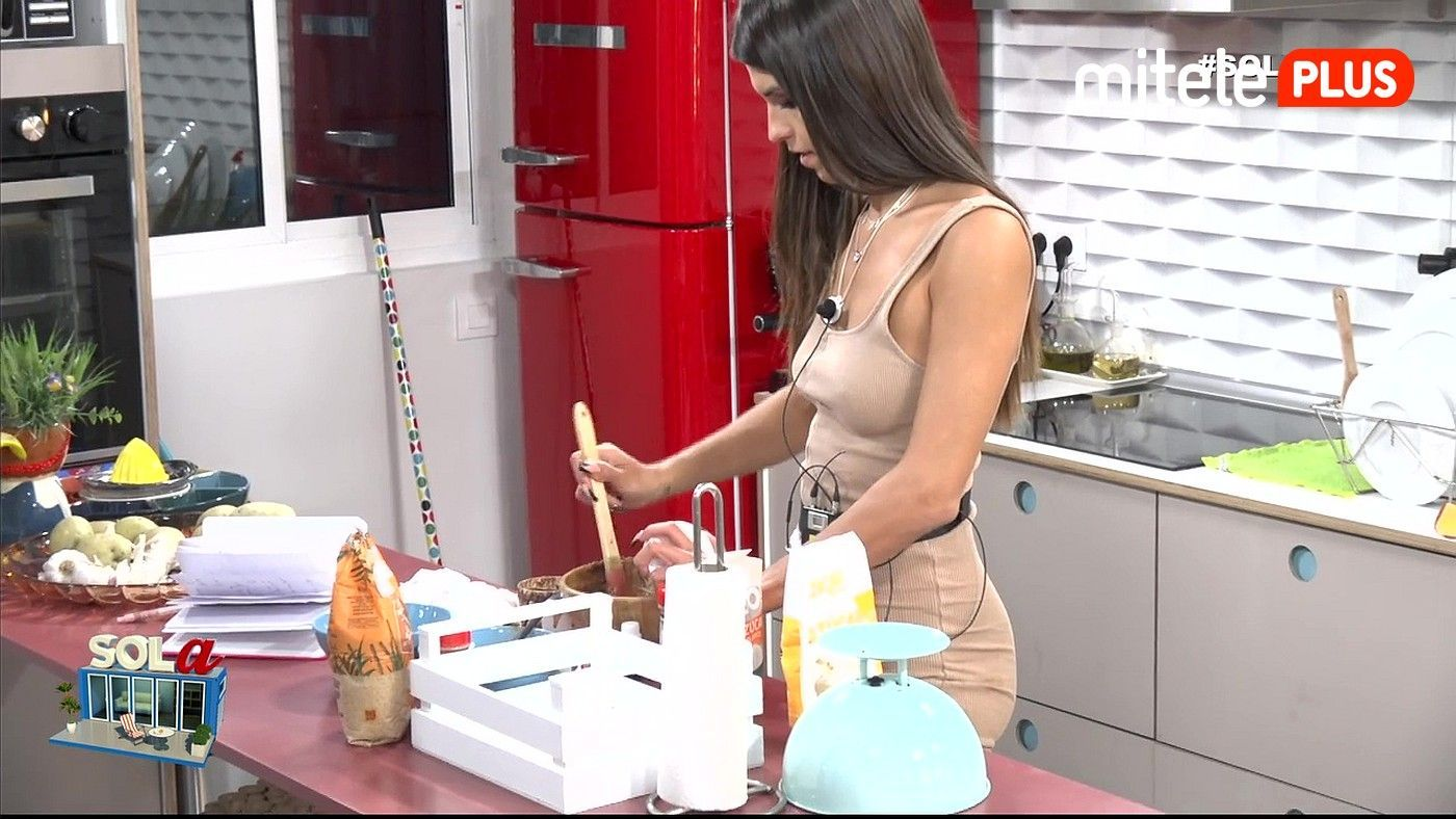 Sofía Suescun Tutorial exfoliante - Creando su propia crema corporal