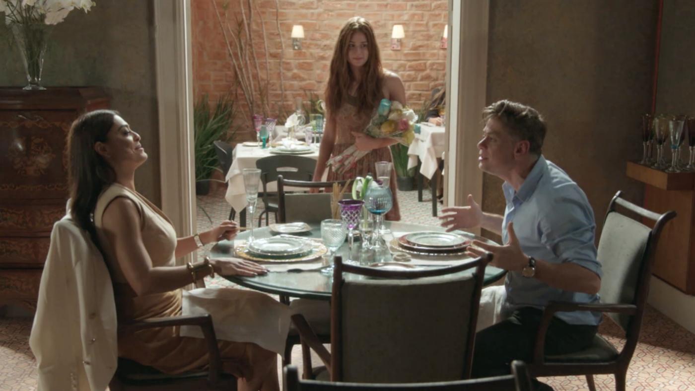 Temporada 1 Capítulo 10 - Arthur quiere que Eliza se convierta en totalmente diva