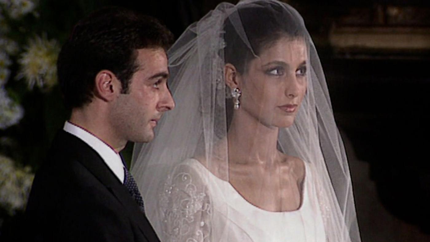 2020 Unplugged 462 - La boda de Enrique Ponce y Paloma Cuevas: de la historia del vestido, a los famosos que acudieron