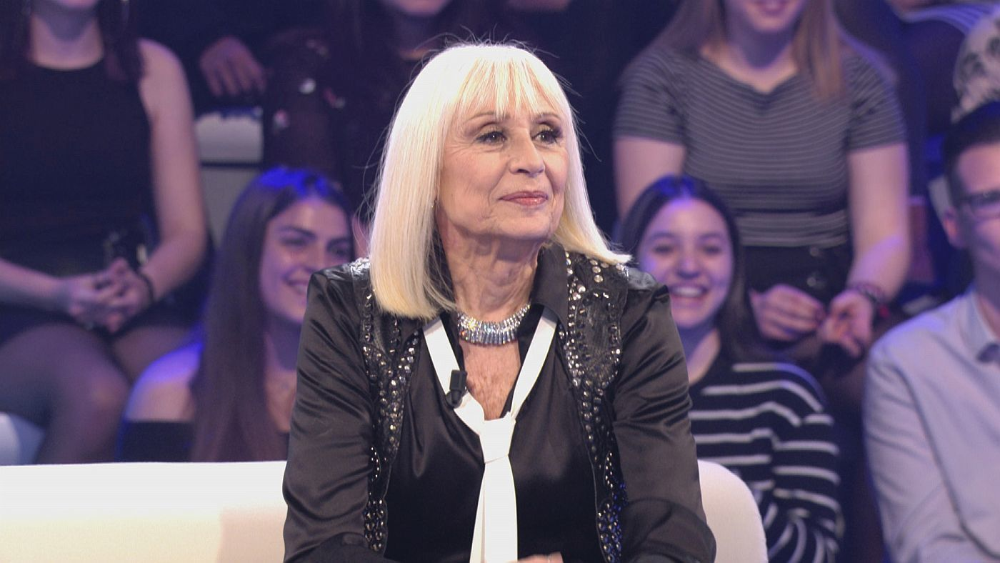 Temporada 1 Programa 9 - Tres sorpresas para Raffaella Carrà