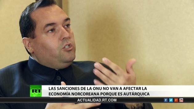 2013-03-18 - Entrevista exclusiva con Alejandro Cao de Benós, único representante occidental de Corea del Norte