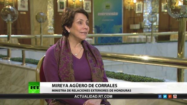 2013-10-14 - Entrevista con Mireya Agüero de Corrales, ministra de Relaciones Exteriores de Honduras