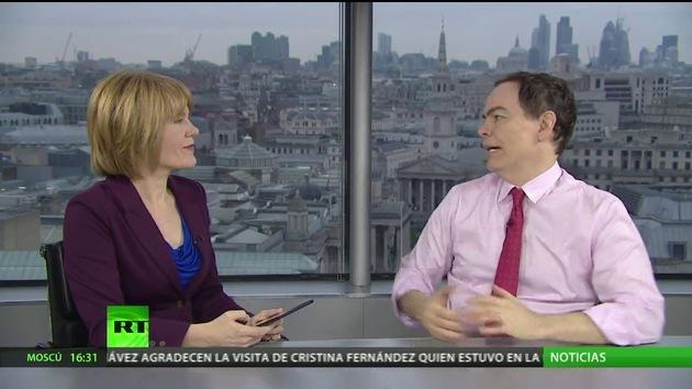 2013-01-12 - Keiser Report en español. La burbuja de la deuda educativa (E392)