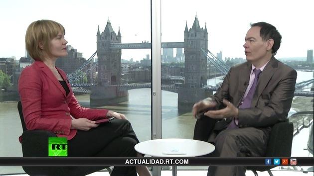 "2013-07-11 - Keiser Report en español. ""Esta basura merece una triple A"" (E469)"
