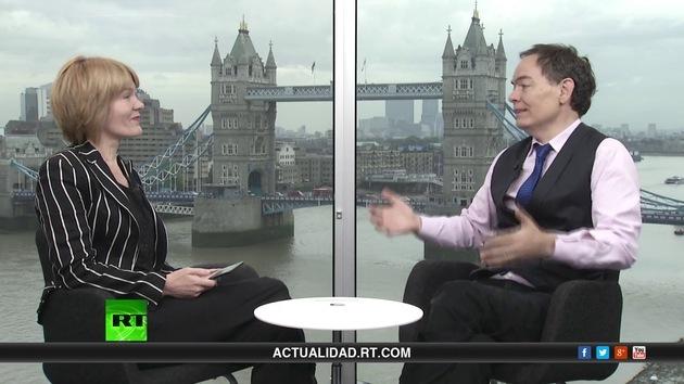 2013-10-10 - Keiser Report en español. La baba rosa de la economía (E508)