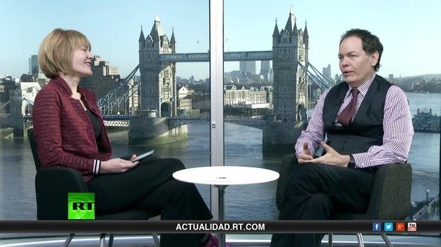2014-01-04 - Keiser Report en español: Los mendigos de la economía británica (E545)