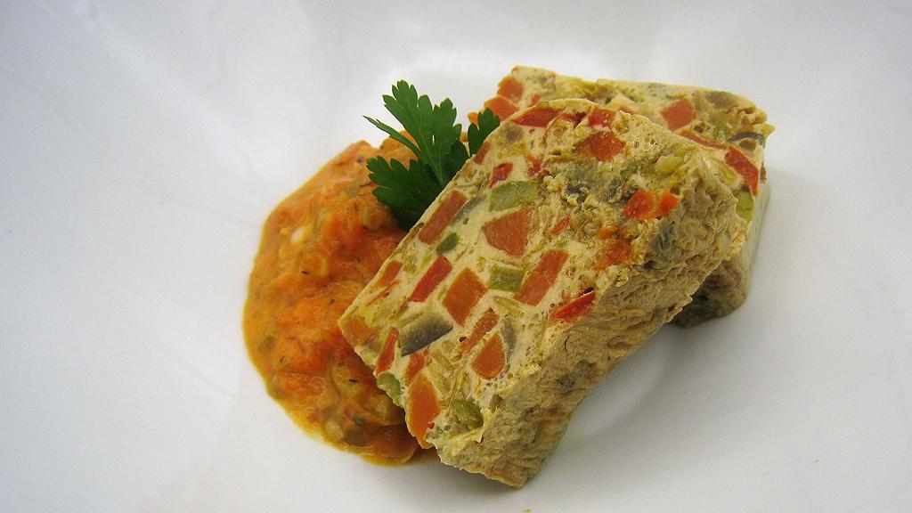 Pastel de verduras con salsa de tomate (03/02/2020)