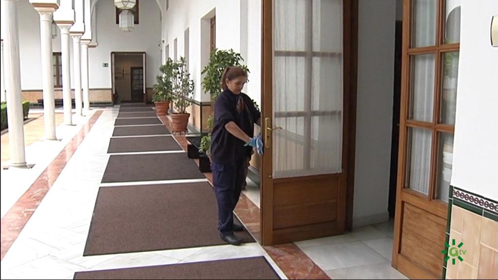 El Parlamento suspende la actividad por el coronavirus (15/03/2020)