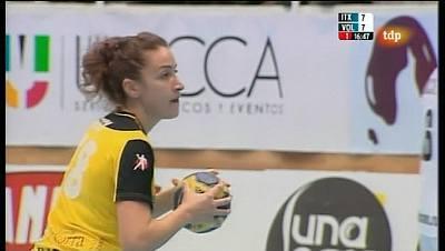 Liga de campeones femenina: Itxako Reyno de Navarra - Dinamo Volvograd - 05/11/11