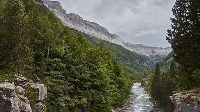 Chubascos y tormentas localmente fuertes en el Pirineo catalán y litoral central