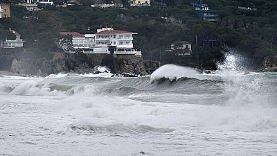 Las borrascas sucesivas dejarán olas de 9  metros en Galicia, viento y lluvia hasta el domingo