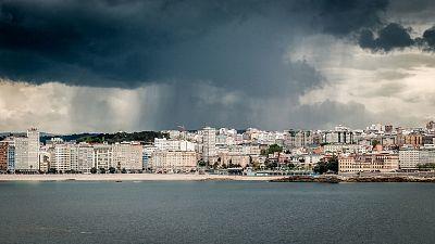 Lluvias persistentes en oeste de Galicia, sistema Central y en Estrecho