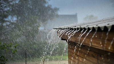 Precipitaciones fuertes en el oeste de Galicia, del sistema Central y de Andalucía