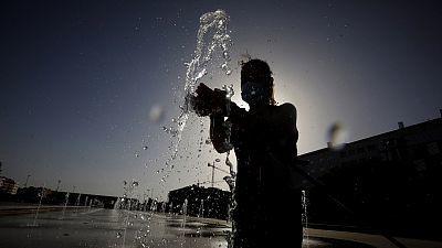 Veinticinco provincias continúan con avisos por altas temperaturas