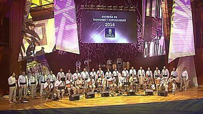 Entrega de Honores y Distinciones con Los Gofiones - 19/04/2016