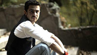 2012 - Pasha Parfeny canta en directo